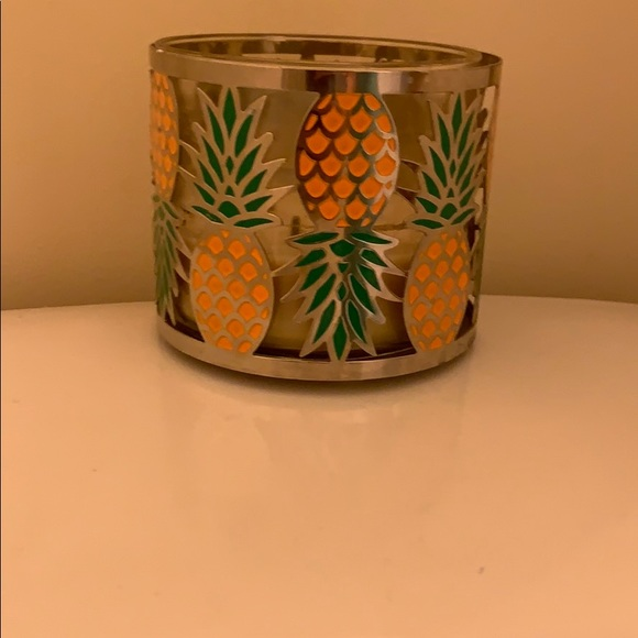 Bath & Body Works pineapple candle holder 🍍